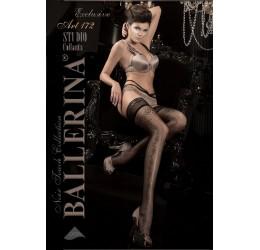 Ballerina: calze nere con balza in pizzo e ricami