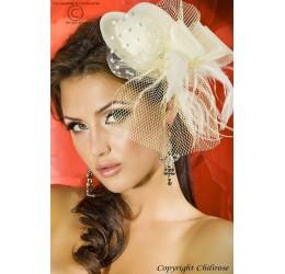 Cappellino avorio con velo, piume e fiocco